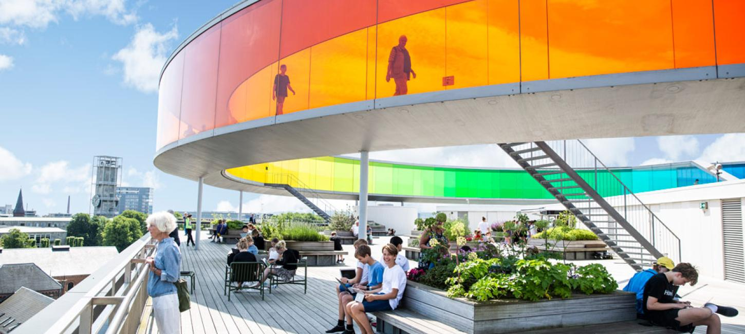 Your rainbow panorama på toppen af ARoS Aarhus Kunstmuseum